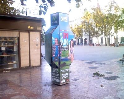 El TIPO DE AL LADO