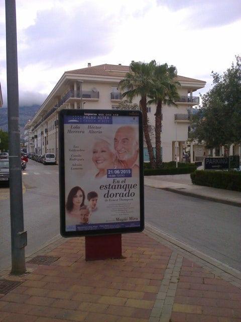 Mobiliario urbano, Publicidad Valencia
