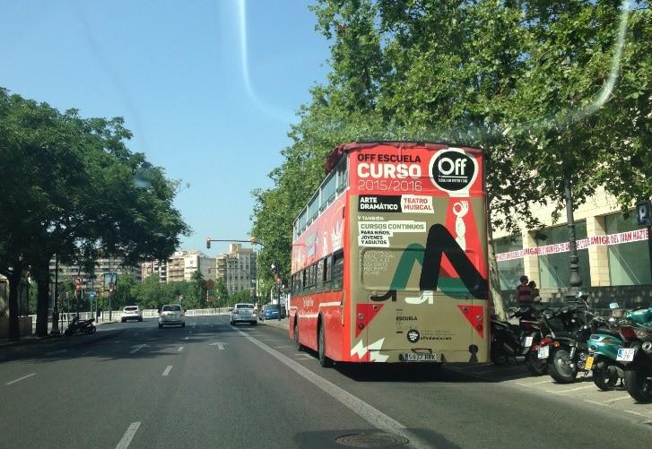Publicidad bus turistico – Escuela OFF 2015