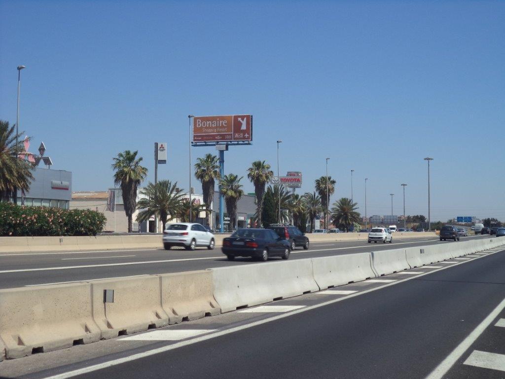 Monoposte publicitario – CC Bonaire