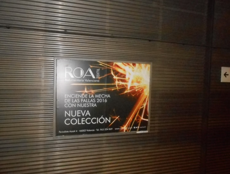 Publicidad metro Valencia – ROA Indumentaria