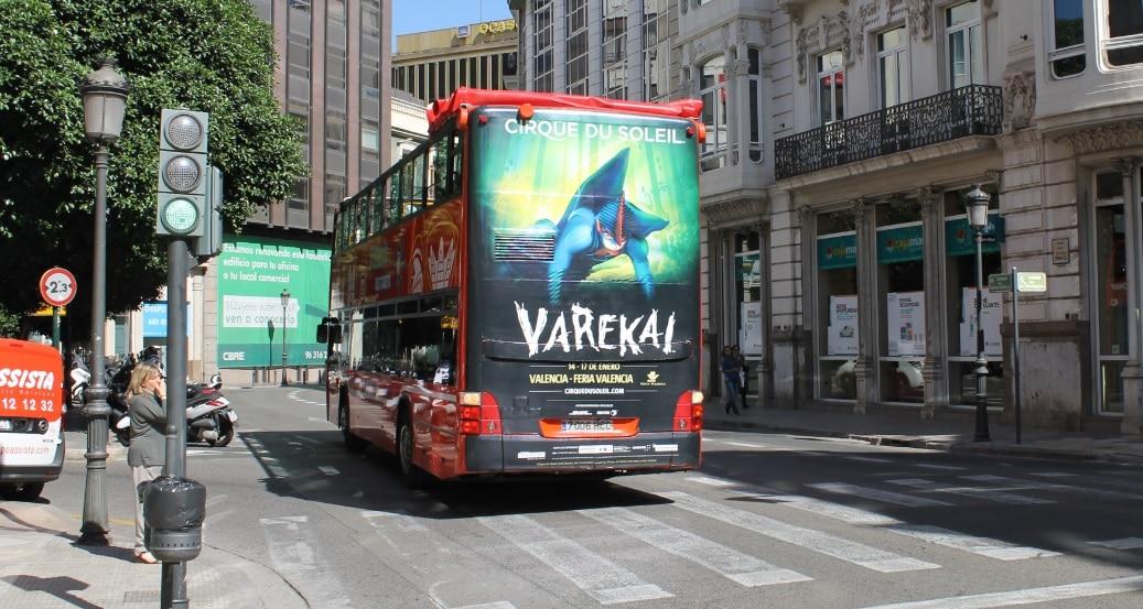Publicidad autobuses – Circo del Sol VAREKAI